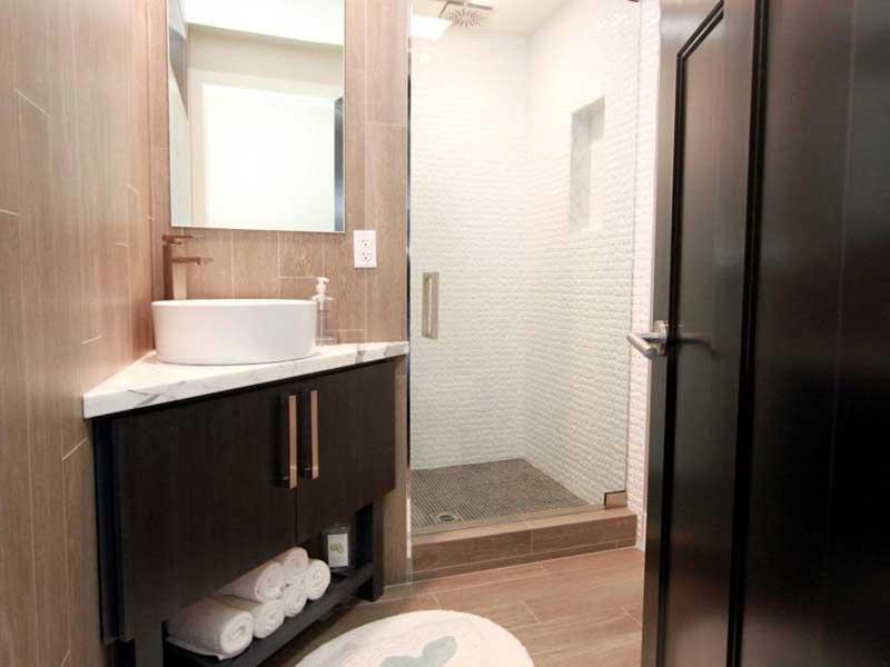 Bathroom with Corner Vanity