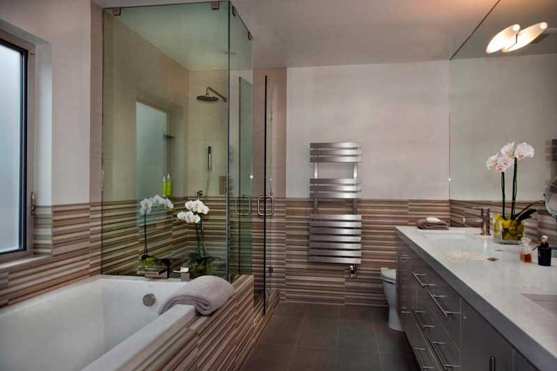 Modern Bathroom with Striped Wall