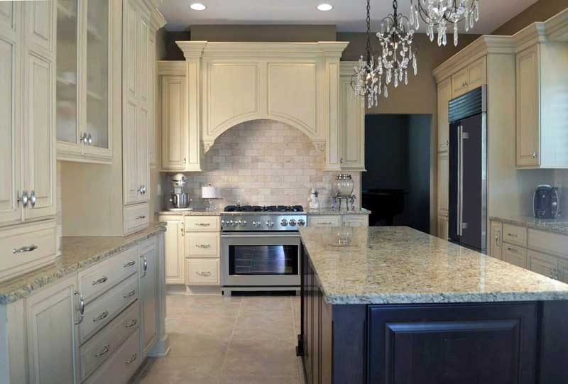 Traditional kitchen design with classic colors