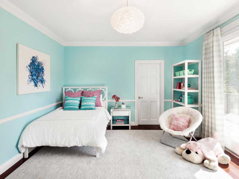 Teenage Girl Bedroom With White Bedding