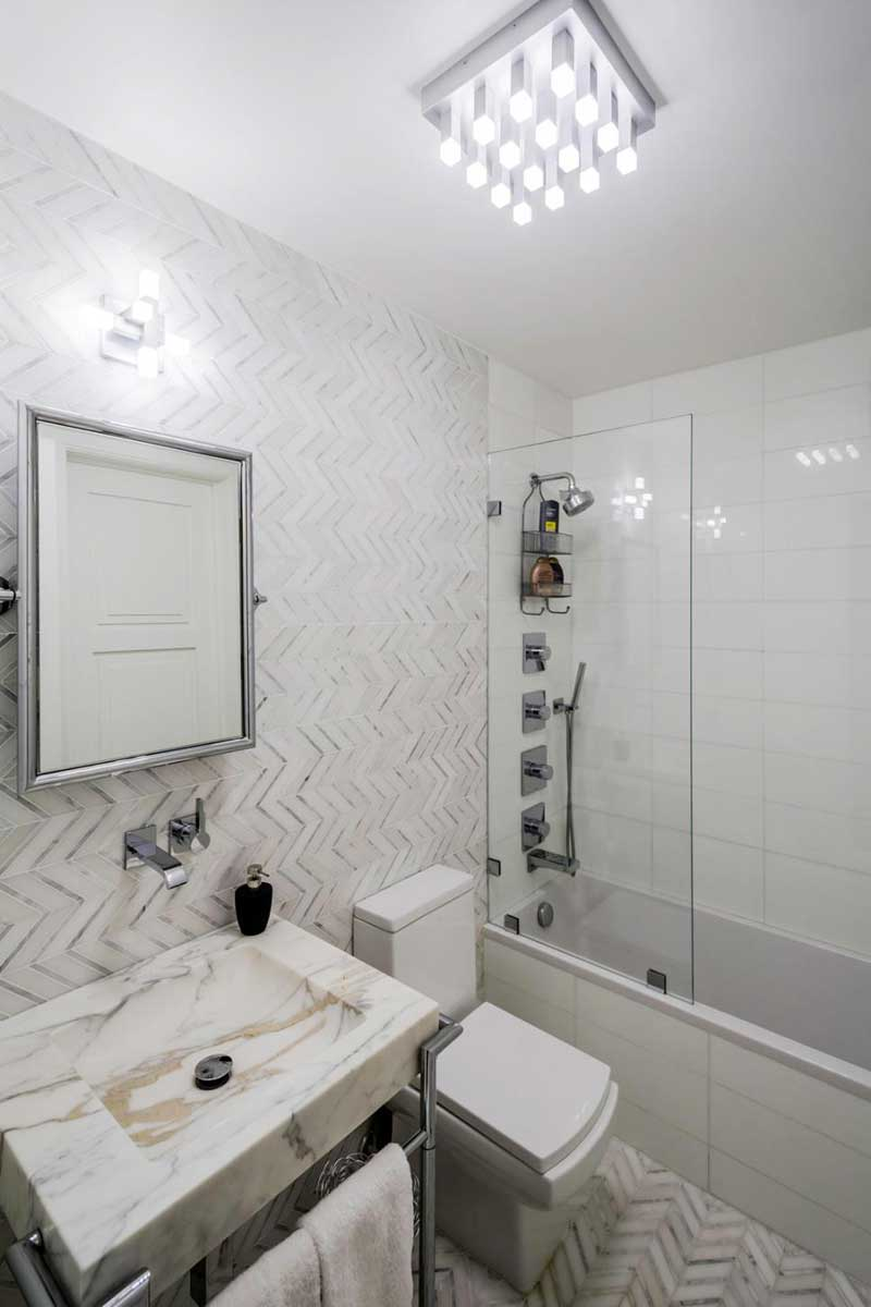 Bathroom with Chevron Tile