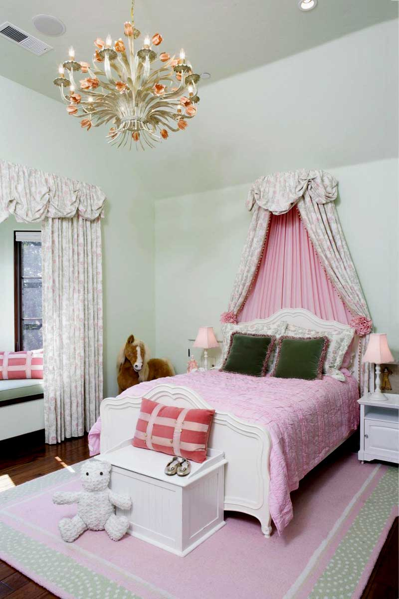 Light Green Teenage Girl Bedroom With Pink Bedding