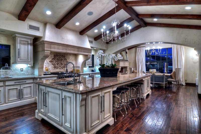 Luxurious Kitchen Island