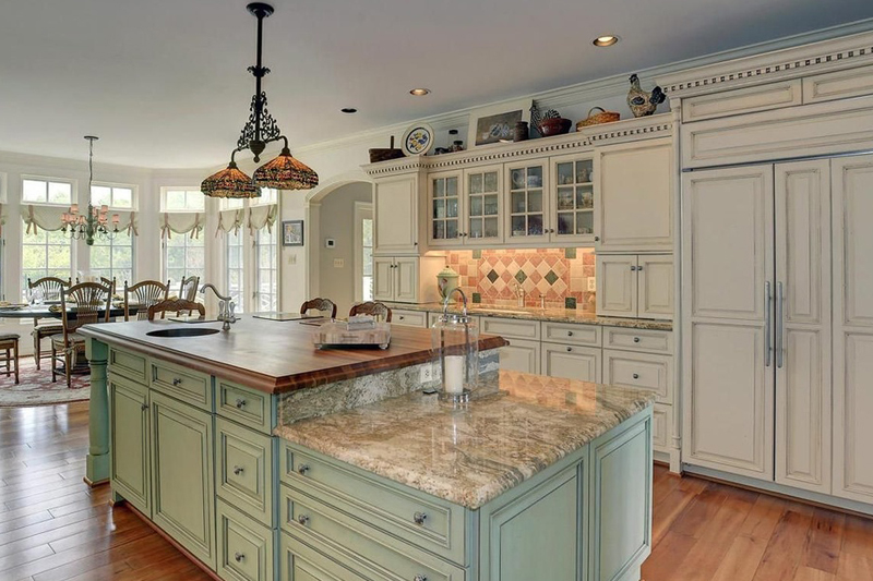 Kitchen Island with 2 Light Pendant