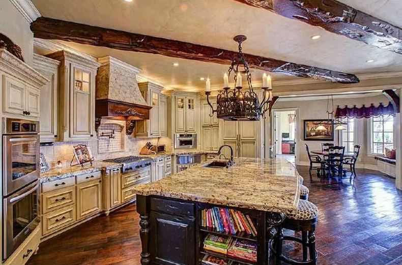 Kitchen Island with 8 Light Chandelier