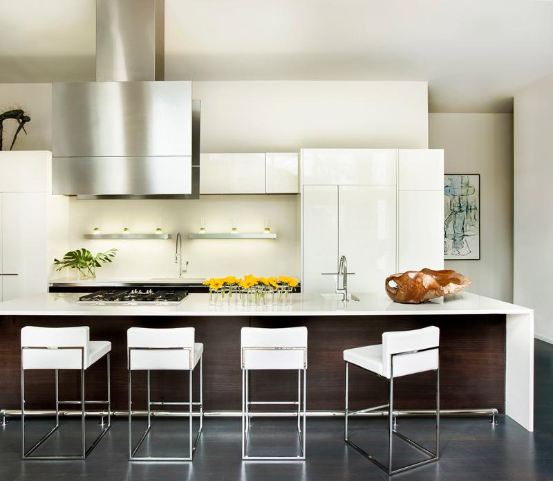 Modern White Kitchen Dark Wood Floor: Timeless Kitchen Design With White Cabinets