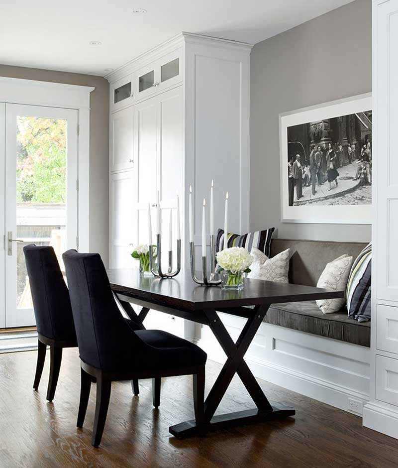 small dining room with candle table lamps
