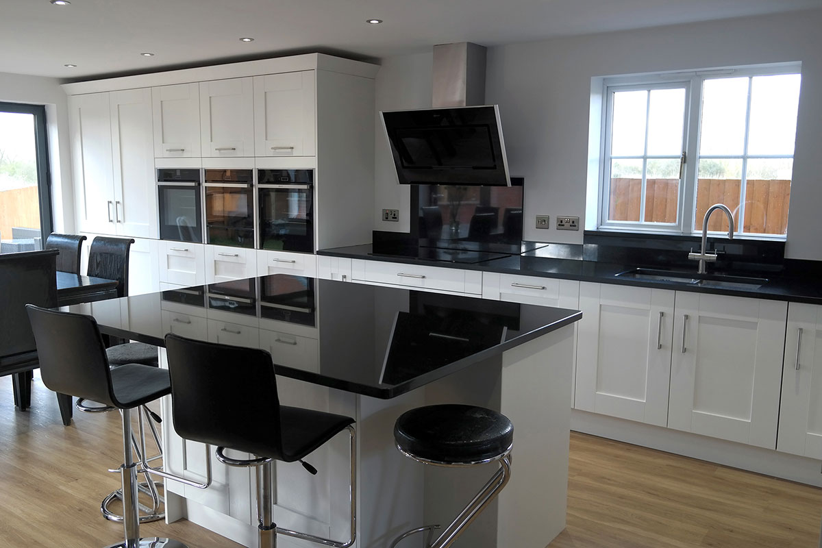 Black Granite Countertops Cost : Best Black Granite Countertops (Pictures, Cost, Pros & Cons)