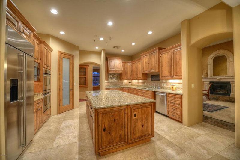 Floor tile to match new venetian gold granite