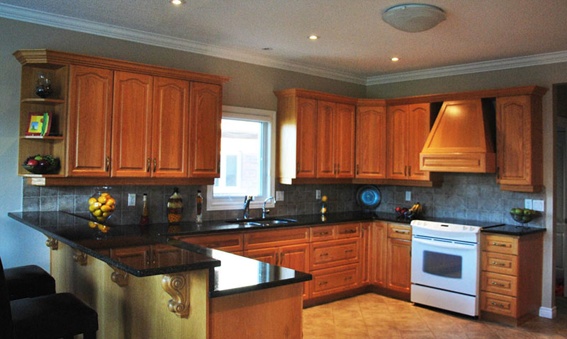 Honey Oak Cabinets With Uba Tuba Granite