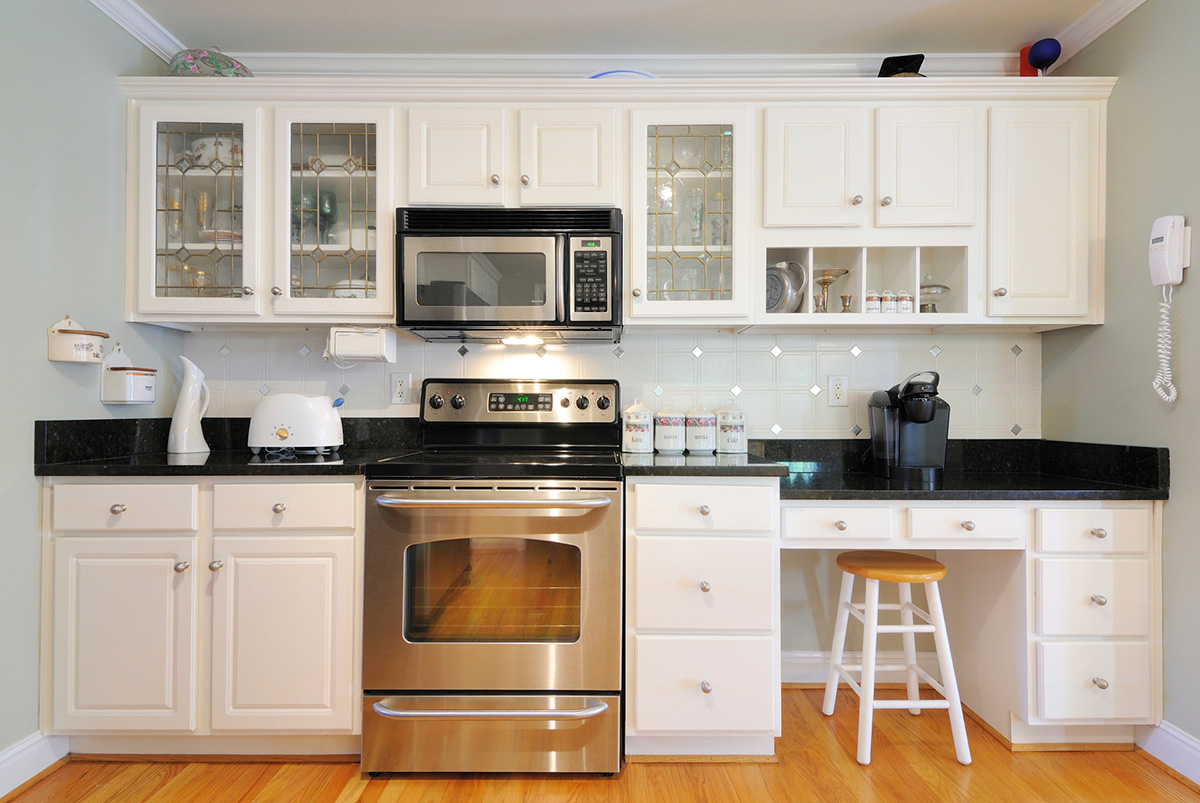 Top 10 Best Paint for Kitchen Cabinets - Homeluf.com