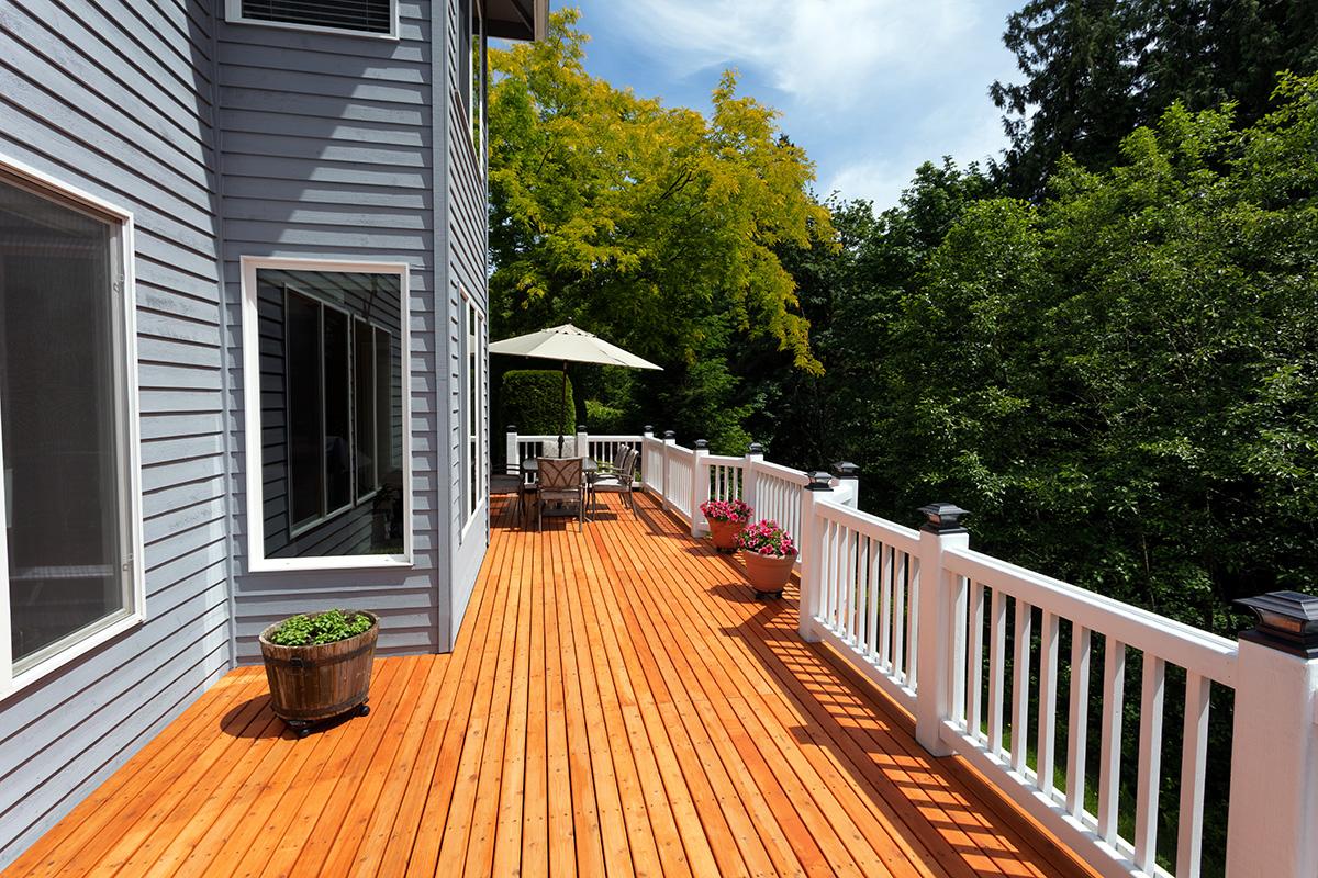Cedar-Wooden-Deck