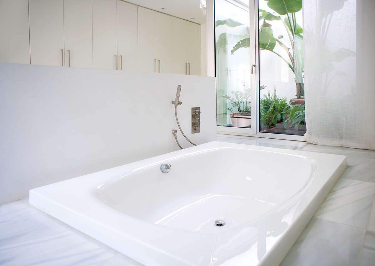 Reviews of The 5 Best DIY Bathtub Refinishing Kits