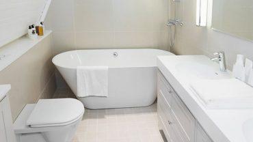 Deep Soaking Bathtub for Small Bathrooms